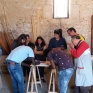 gruppo-falegnameria-al-lavoro
